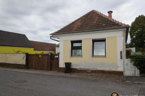 NEUER PREIS!!!! Renovierungsbedürftiges Haus mit vielen Nebengebäuden