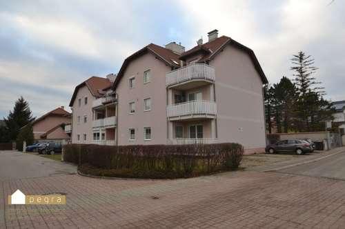 ruhig gelegen und zentral, sehr schöne Dachgeschoß 3 Zimmer Wohnung