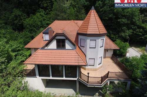 Herrlicher Blick über Gablitz - Villa mit Einliegerwohnung