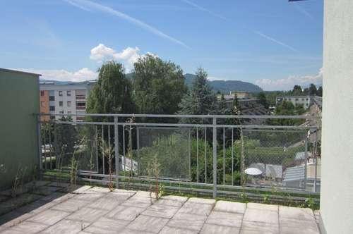 Dachterrassenwohnung mit schöner Aussicht - Nähe PÄDAK