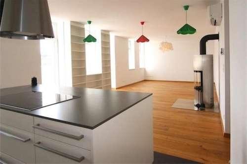Penthouse-Terrassenhit: wunderschöne, neuwertige Dachgeschoßwohnung, (2014 Aufstockung von saniertem Altbau), 90 m2 + 45 m2 Terrase, sonnig, Nähe Linie 46 + U3-Ottakring!