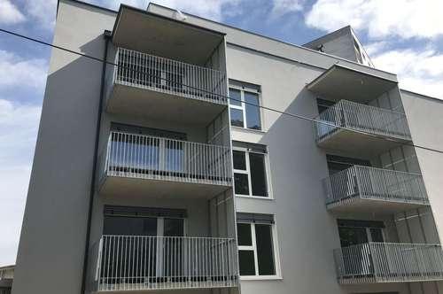 Sehr helle 2-Zimmer-Wohnung mit Balkon in sehr guter und zentraler Lage - Erstbezug