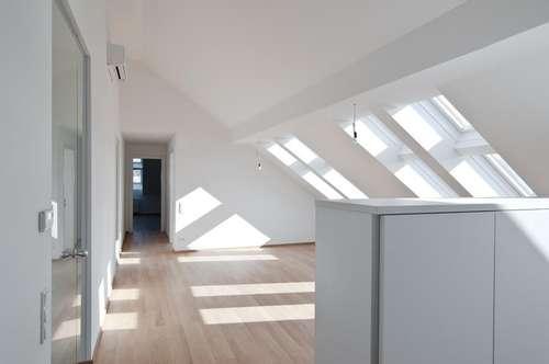 Margaretenhof: Top-moderne, helle DG-Terrassen-Wohnung