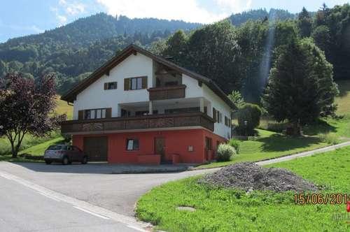 Grosses Enfamilienhaus mit Einliegerwohnung - Bartholomähberg - Jetzmunt