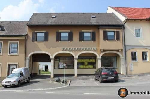 Geschäftshaus in Bernstein