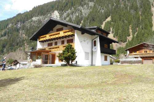 Montafoner Mehrfamilienhaus mit Traumgrundstück