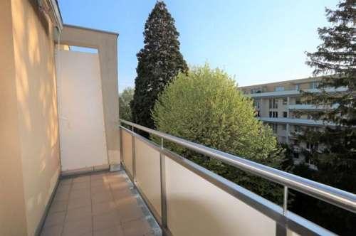 Traumhafte 1-Zimmer-Dachgeschosswohnung mit westseitiger Terrasse in bester Wohnlage!/21