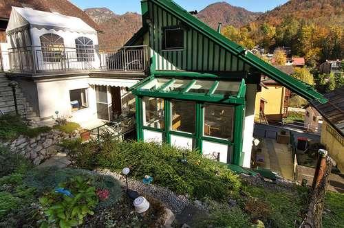 Tolle 4-Zimmerwohnung mit Eigengarten und Dachterrasse