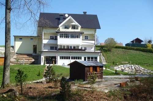 Traumhafte 3 Zimmer Dachgeschosswohnung in TOP Lage - 105 m² Wnfl. - 5301 Eugendorf