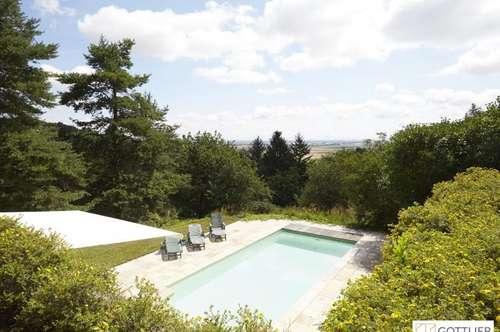 Einzigartiges Landhausstil-Anwesen mit Poolhaus und Panoramablick mit ca. 11.000 m2 Eigengrund