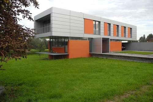 Modernes Büro/Praxisgebäude - guter Verkehrsanschluß
