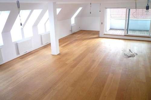 ++ Provisionsfrei, Erstbezug, Charmante Dachgeschosswohnung 4 Zimmer in Hietzing