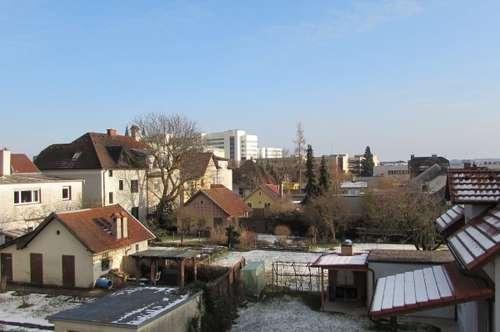 PROVISIONSFREI - Exklusive, sonnige Wohnung in TOP-Ruhelage mit Balkon, Garten und Parkplatz
