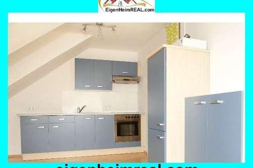 Renovierte Altbauwohnung 3 Zimmer Mansarde