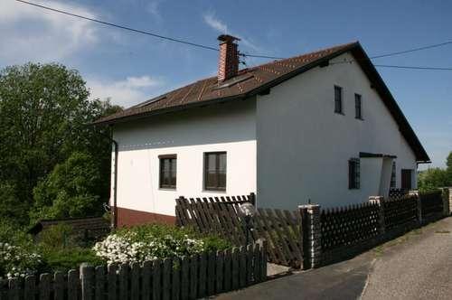 Zweifamilienhaus in schöner, sonniger Lage