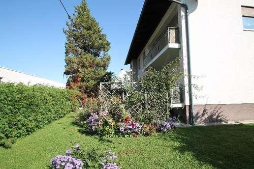 Großes Mehrfamilenhaus mitten in Klagenfurt mit schönem Garten und Garagen, besonders für eine große Familie geeignet