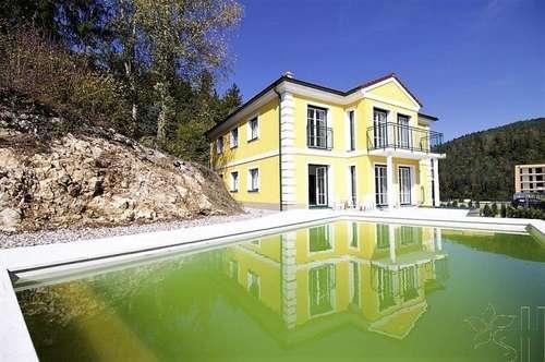Villa mit Pool - Erstbezug