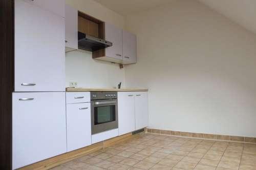 Schöne 2-Zimmer-Wohnung mit KFZ-Abstellplatz in Ruhelage