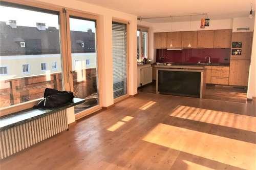 Hallein, Miete: Großzügige, helle Wohnung mit Südbalkon und Garage