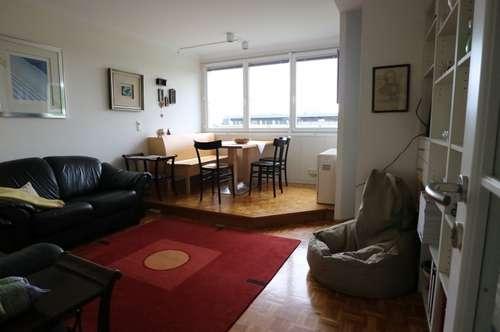 Kurzzeitmiete: Sehr gepflegte 2-Zimmer-Wohnung - vollmöbliert