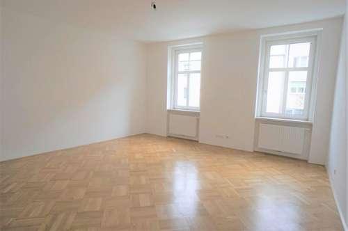 ERSTBEZUG nach Sanierung - 3 Zimmerwohnung mit Balkon