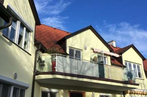 Schöne Dachgeschoßwohnung mit Balkon