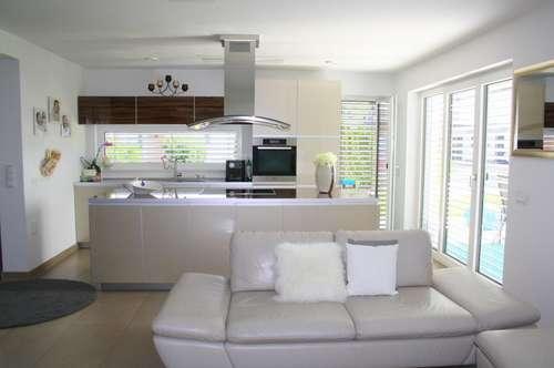 Neuwertiger Wohntraum mit Vor- und Nachteilen!