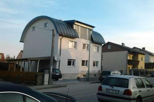 Sehr helles offenes Dachloft, mit hochwertiger Ausstattung zu vermieten 84m2 + Balkon