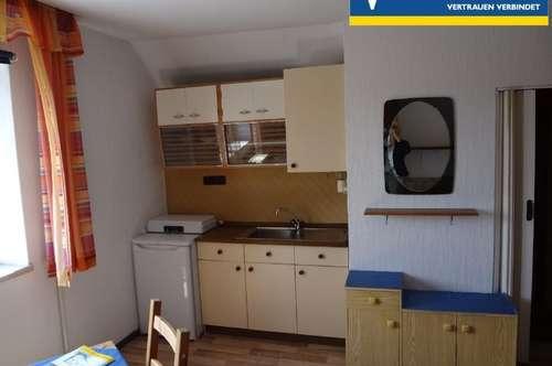 Einzimmerwohnung im Dachgeschoß