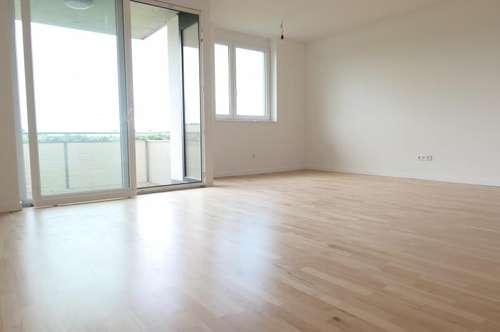 ERSTBEZUG --- Wunderschöne 3 - Zimmer WHG mit perfekter Raumaufteilung & Balkon + Stellplatz; Nähe Tulln