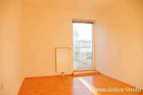 MIETE: Hübsche 2-Zimmer-Wohnung mit Dachterrasse in Seekirchen