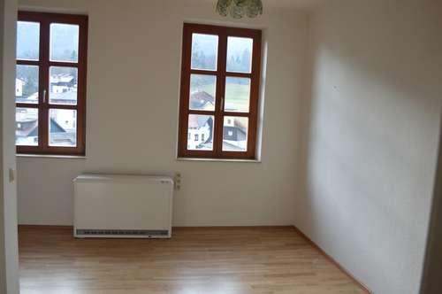 3 Zi-Dachgesschosswohnung mit Balkon!