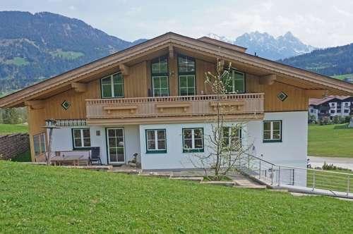 Gediegene Dachgeschosswohnung ( 2018-01948 )