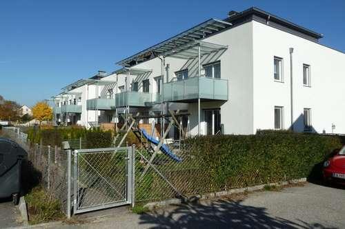 100 m2 im ersten Stock mit herrlichem Balkon zu mieten!