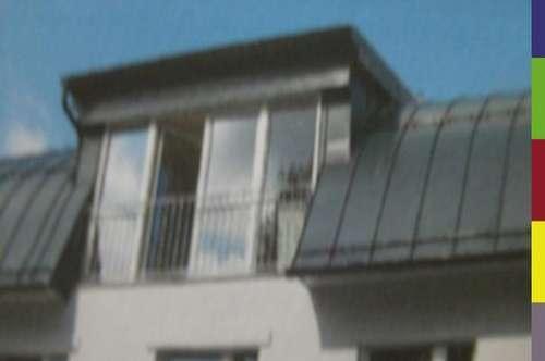 Dachgeschoßwohnung mit Balkon