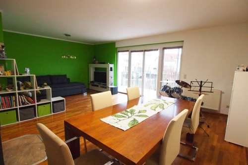 Wunderschöne Doppelhaushälfte mit Zugang zum Privatsee - 138 m ² auf 3 Ebenen, mit Terrasse, Doppelparkplatz und Garten!