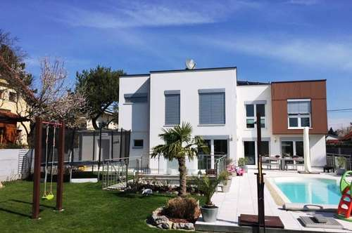 +++ VILLA + Architektenhaus mit großem Garten, Pool und LUXUSAUSSTATTUNG + GERASDORF +++