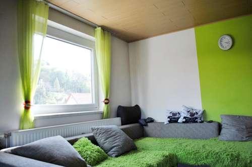 Balkonwohnung mitten in Gamlitz 3 Zimmer + Küche mit Essecke, Garten, Einkaufen, Kindergarten, Schule fußläufig - 8462 Gamlitz / Leibnitz