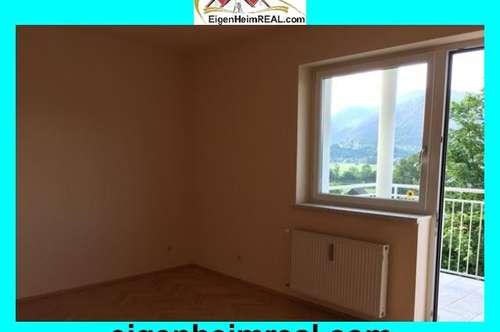 Großzügige 2 Zimmer Wohnung mit Balkon, top renoviert, Stadtrand