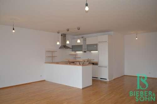 Licht durchflutete, sehr gepflegte, 4-Zimmer Familienwohnung mit 2 Balkonen, Ortszentrum Brunn!