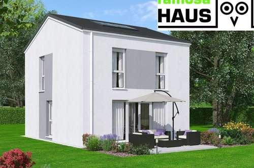 Geräumiges Einfamilienhaus mit Vollunterkellerung, Sonnengarten (Eigengrund) und 2 PKW-Abstellplätzen.