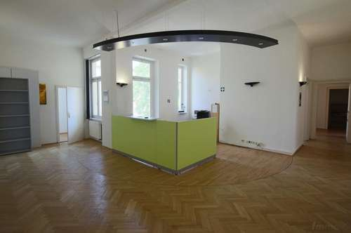 Repräsentatives Altbaubüro in der Kaiserfeldgasse