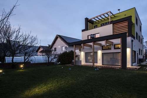 3 Zimmer Penthousewohnung mit 3 Terrassen - ERSTBEZUG, PRIVAT! Hell und exklusiv ausgestattet! Ruhige Lage.