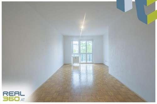 Perfekt aufgeteilte Wohnung mit Balkon in den ruhigen Innenhof ab sofort beziehbar!