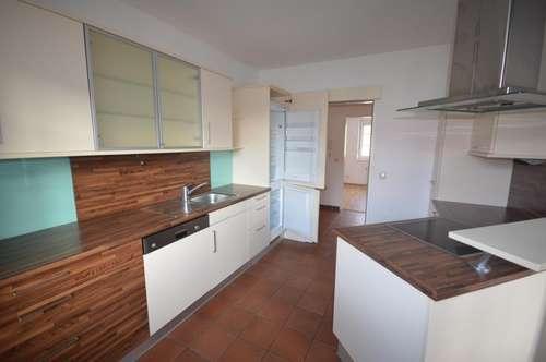 Moderne 3-Zimmer-Mietwohnung mit Küche im Zentrum von Vöcklabruck!