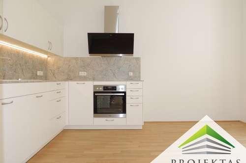 ERSTBEZUG - Exklusiv renovierte 2 Zimmer-Altbauwohnung mit Küche in der Linzer Innenstadt