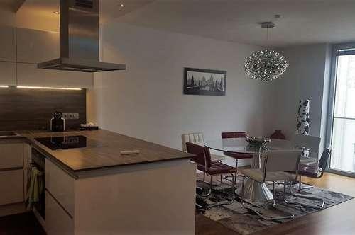 Helle moderne Luxus-Wohnung