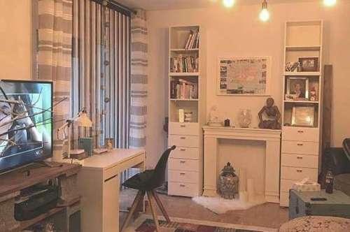 Provisionsfrei: Teilmöblierte 63m³ Wohnung mit Küche,  Balkon, Garage & Lift am ruhigen Ortsrand