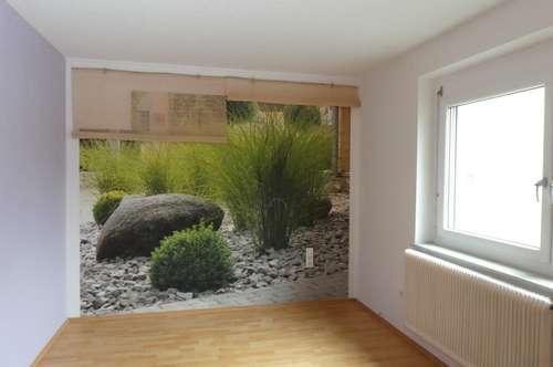 NEUER PREIS - 4-Zimmer mit Loggia - geringe Heizkosten