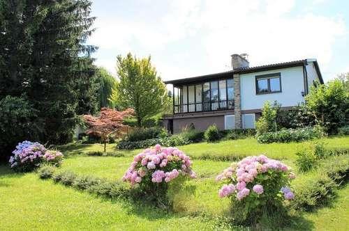 Einfamilienhaus mit großem sonnigen Garten